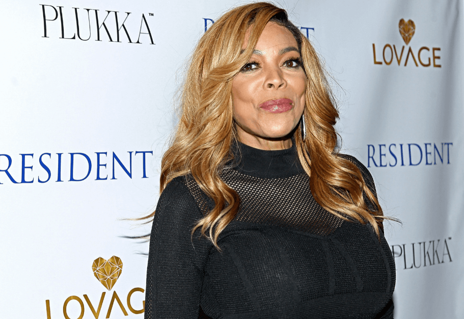 Did Wendy Williams have Breast Implants.